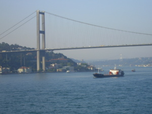 traffic-on-the-bosphorus-strait