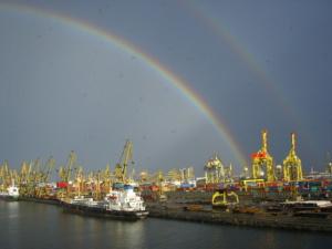 constanta-port-after-rain